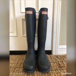 EUC Tall Women's Hunter Rain boots 6/37